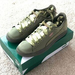 NIB Puma Satin Olive Green Sneakers